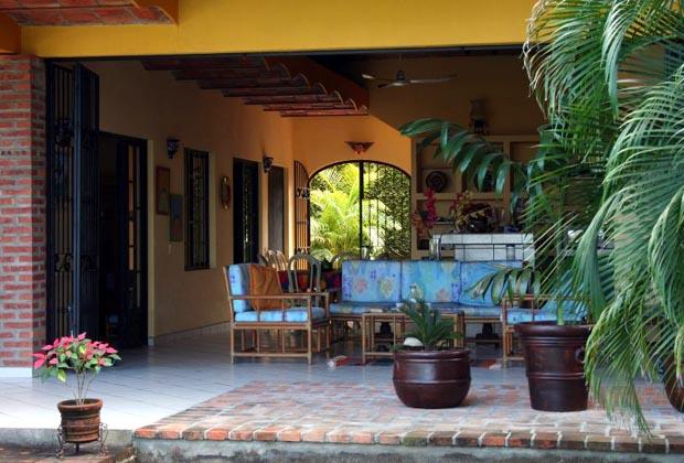 Casa Siestas y Olas Outdoor Dining