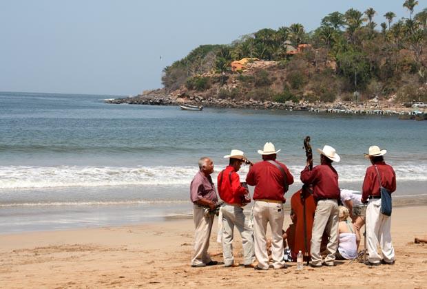 Hotel Las Brisas Chacala Miriachi Band on the Ocean