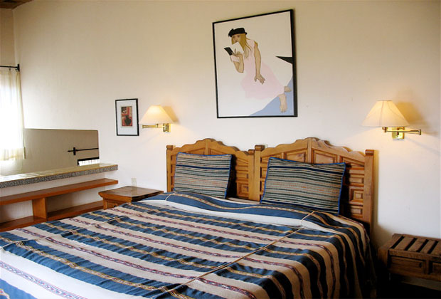 Los-Dos-Aerie-Bedroom-Lake-Chapala-Phyllis-Rauch