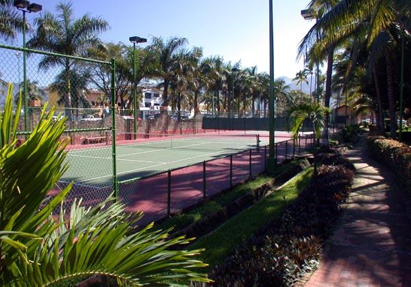 Los-Tules-Puerto-Vallarta-Tennis-Court