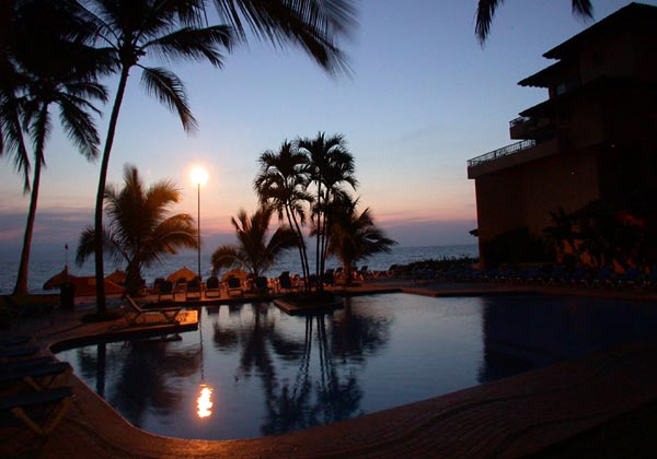 Los-Tules-Vallarta-Pool-at-Night