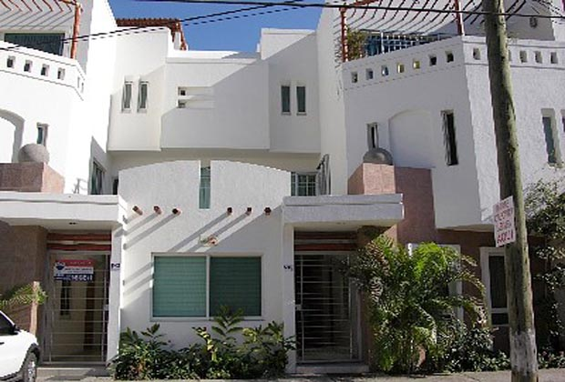Puerto Vallarta 2-Bedroom Condo Rental Exterior