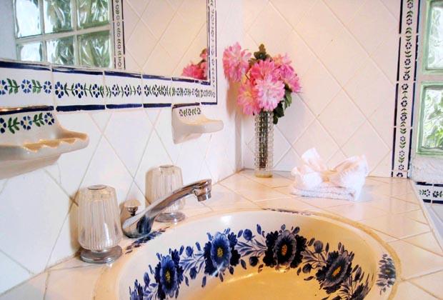 Casa Anita & Corona del Mar Puerto Vallarta Talavera Clean Bathroom