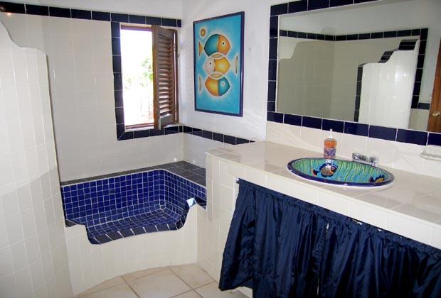 Casa Anita & Corona del Mar Puerto Vallarta Tile Bathroom