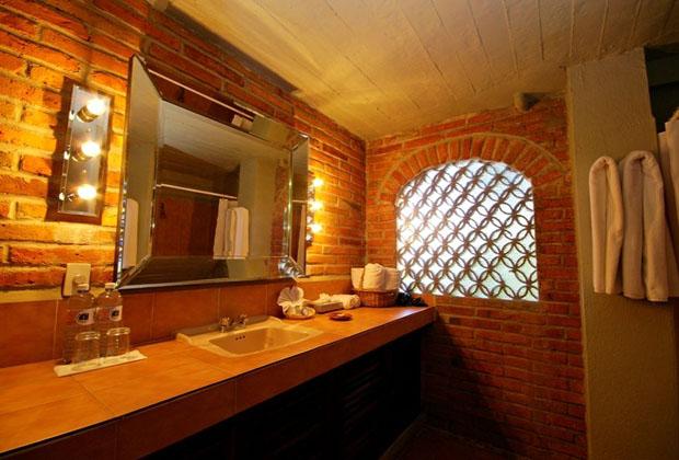 Casa Tres Vidas PuertoVallarta clean elegant washroom