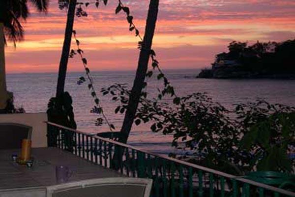 Casa de Los Artistas Boca de Tomatlan Sunset View
