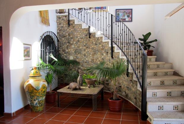 Casa-de-los-Pelicanos-Guayabitos-Riviera-Nayarit-Mexico-Architecture-Stairs