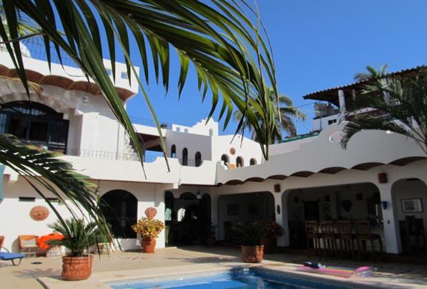 Casa-de-los-Pelicanos-Guayabitos-Riviera-Nayarit-Pool