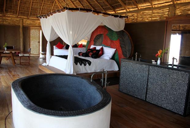 Hotel Desconocido luxury eco vacation romantic jacuzzi - all solar powered