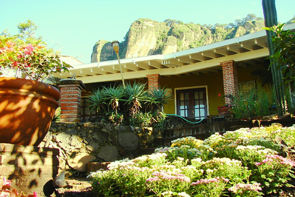 La Villa Bonita Tepoztlan Morelos Mexico Mountain Climbing