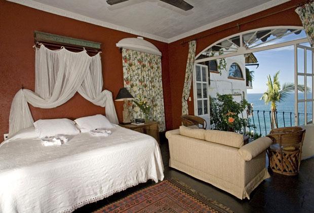 Quinta Mariz Cortez Puerto Vallarta - Retire in Mexico Romantic bedroom