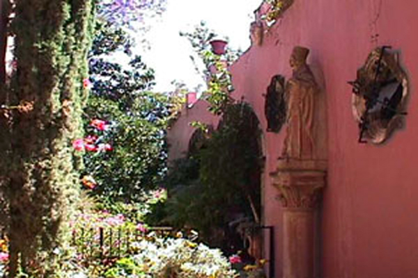 Villa Angel Ajijic B&B - Architectural Exterior