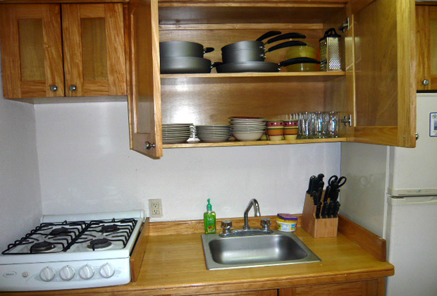 CONDO LANI MARINA DEL REY COMMUNITY - WELL EQUIPPED KITCHEN