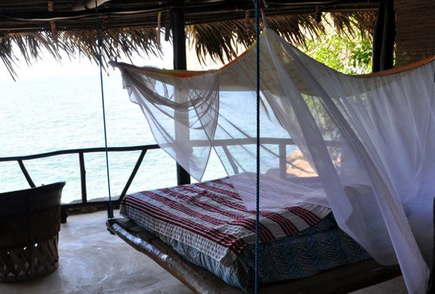 Casa Santa Cruz Casita Sol Retreat Yelapa mexico outdoor swinging bed