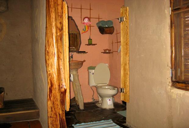 CocoCabañas Hotel Barra de Navidad Mexico Clean Washroom