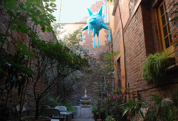 El Patio 77 Eco - B&B - Mexico City - Pinata Fiesta