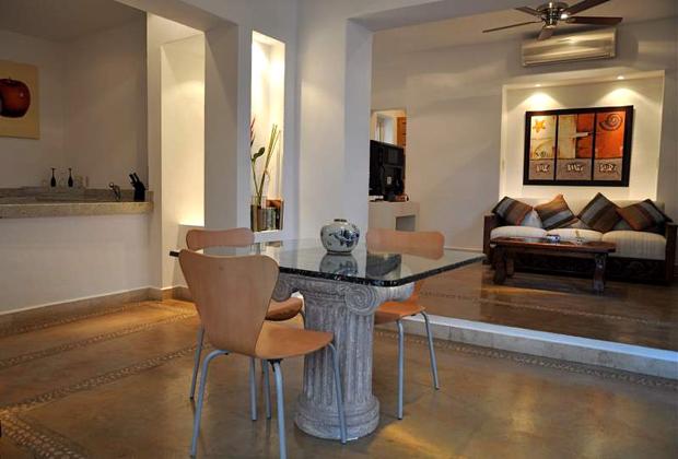 Hotel Hacienda Alemana Puerto Vallarta Spacious Modern Clean Comfy