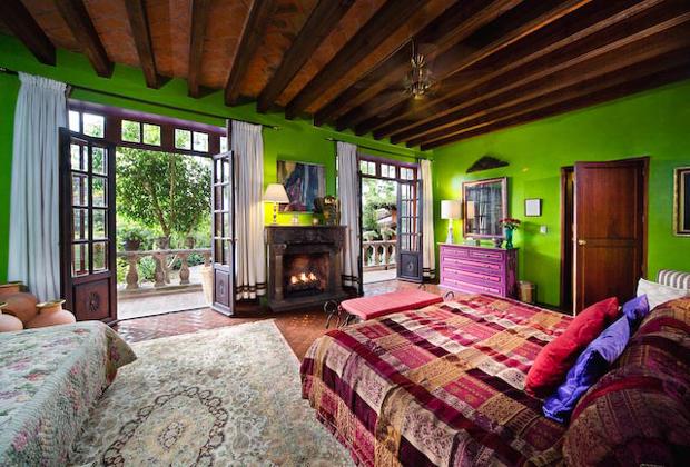 LIBRARY SUITE San Miguel de Allende Casa Schuck B&B