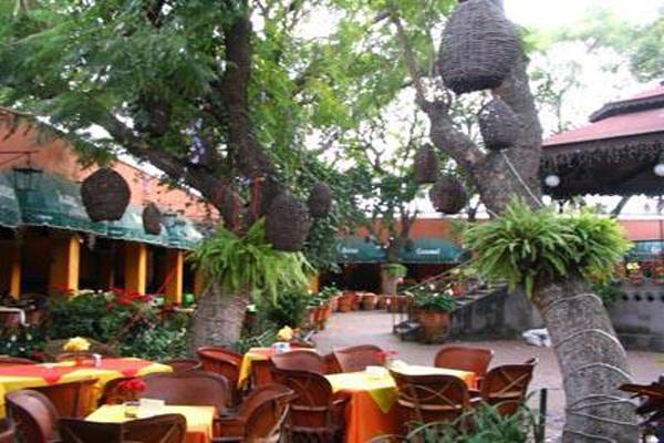 Tlaquepaque Guadalajara area Mexico Parian Miriachi Square