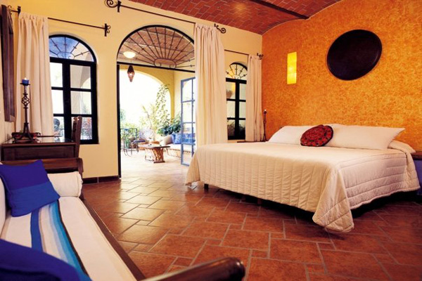 Villa del Ensueno Tlaquepaque Mexico Spacious Comfortable Romantic Destination