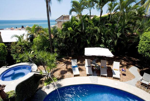 Casa Corona Puerto Vallarta pool & Jacuzzi