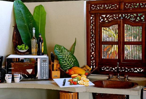 Casa Perico Yelapa Vista Romantica Upscale indian indonesian mexico