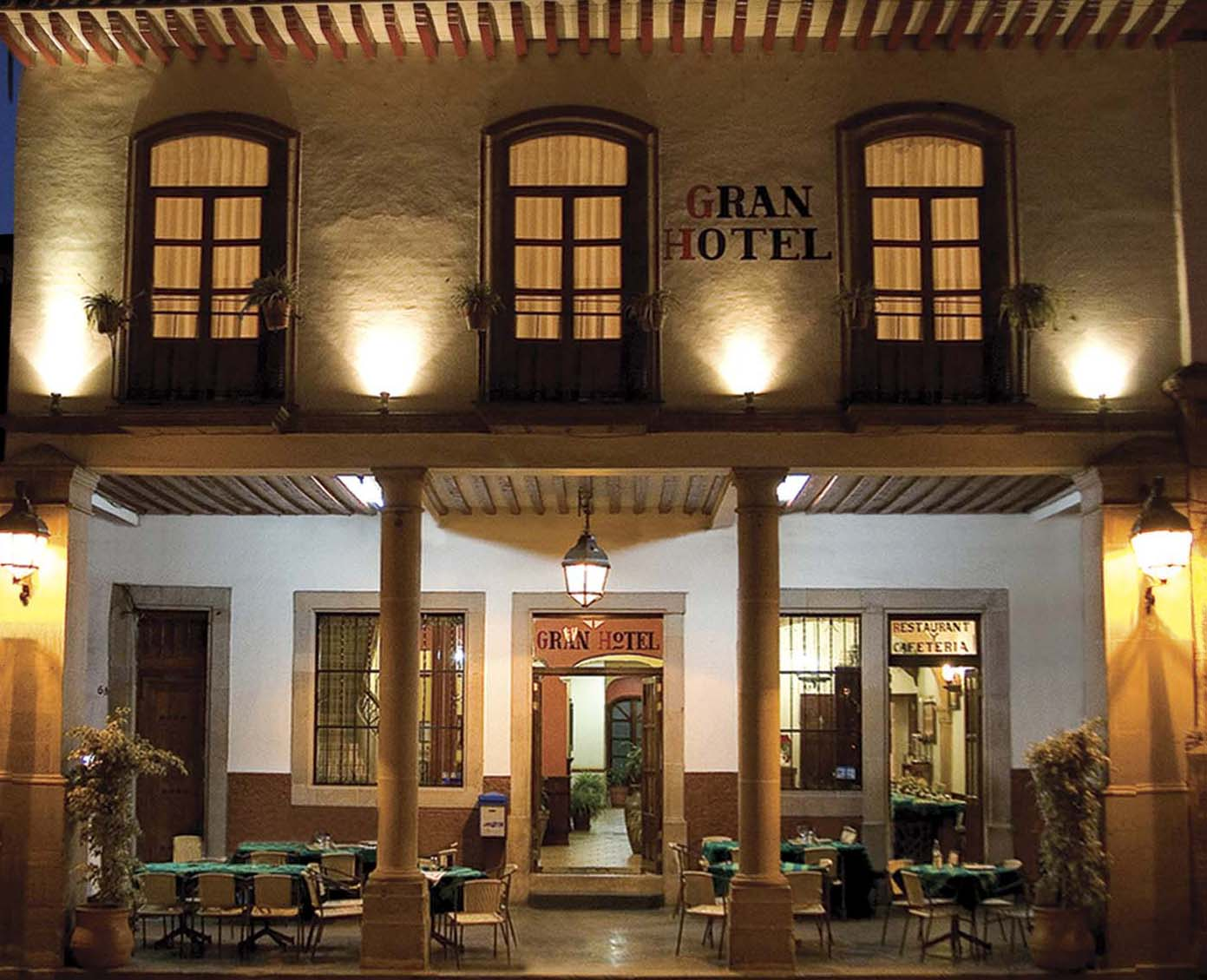Gran hotel patzcuaro michoacan quaint hotel architecture for Quaint hotel