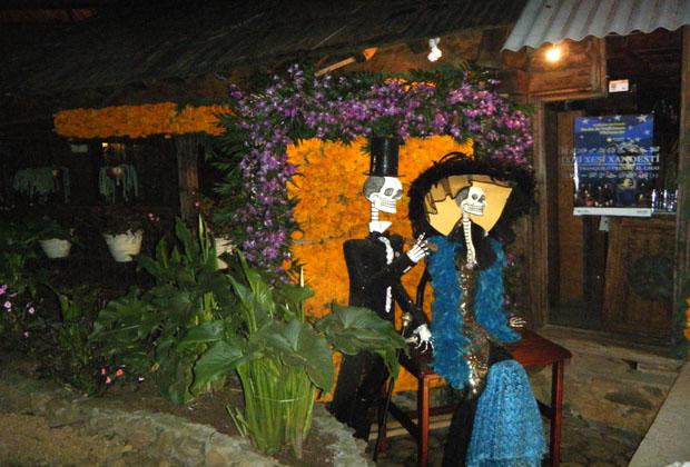 Hotel Casa Ixhi, Patzcuaro Michoacan Fiesta de los Muertos Nov. 1