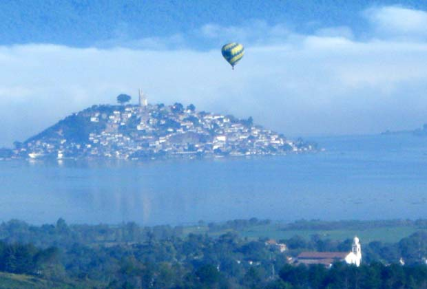 Hotel Casa Ixhi, Patzcuaro Michoacan Hot Air Balloon Festival
