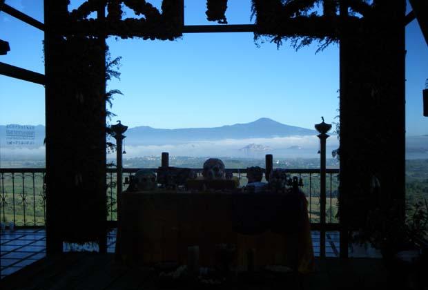 Hotel Casa Ixhi, Patzcuaro, Michoacan, Shrine Offering