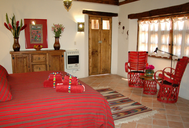 LA CASA ENCANTADA Boutique Hotel Patzcuaro Spacious Suites and Rooms