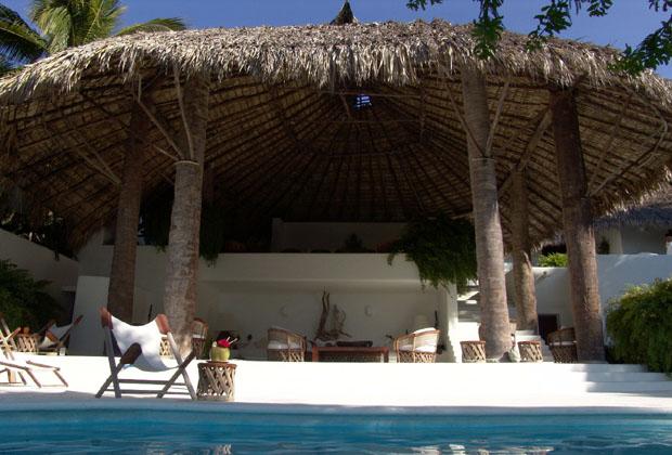 La Casa Del Sol Ixtapa Mexico Palapa desde la alberca