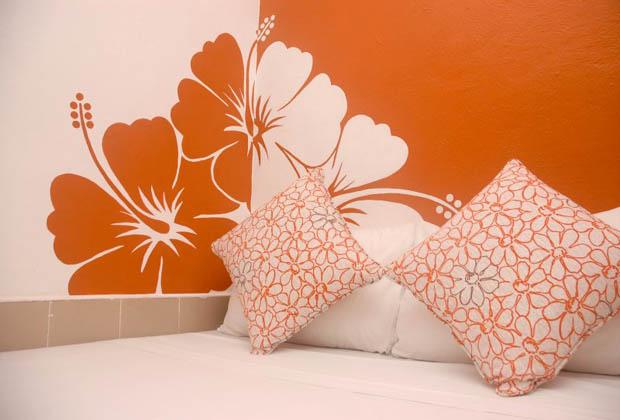 Secret Garden - B&B - Quintana Roo - Hibiscus Mural