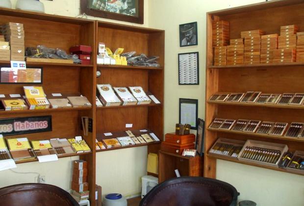 El Gato Gordo Cuban Cigars Old Town Vallarta Best Cigar Choice