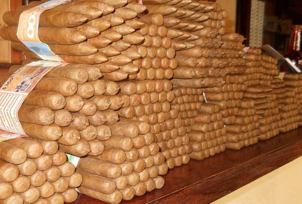 El Gato Gordo Cuban Cigars Old Town Vallarta