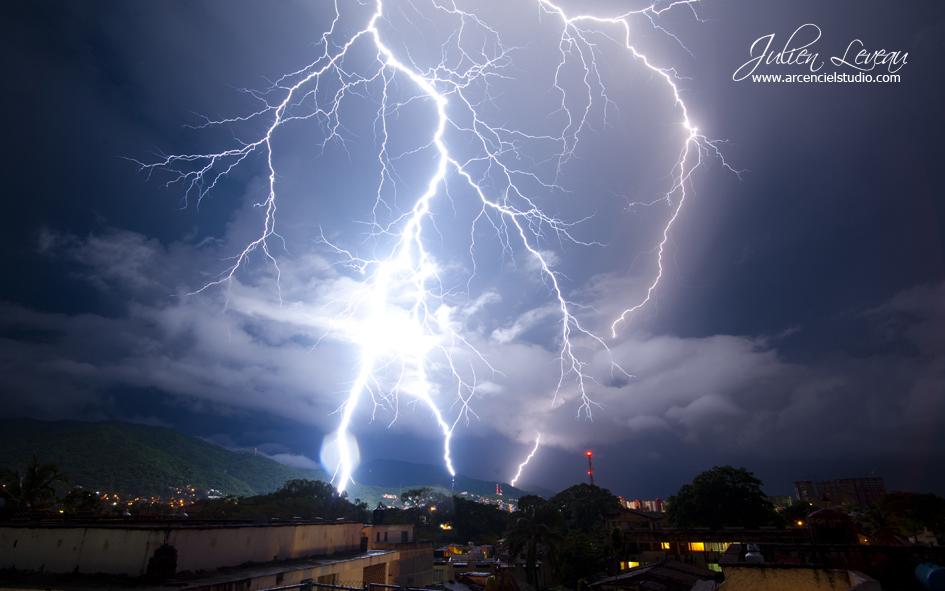 Julien Leveau Arcenciel Studio Puerto Vallarta Lightning Photos