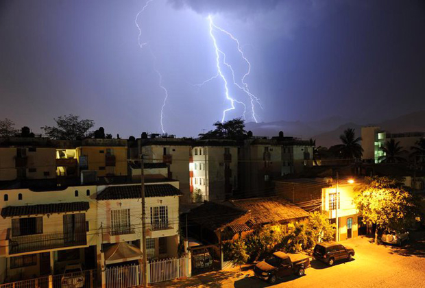 Julien Leveau Arcenciel Studio lightning photo Series Puerto Vallarta