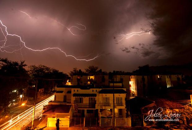 Julien Leveau Arcenciel Studio lightning photos Puerto Vallarta