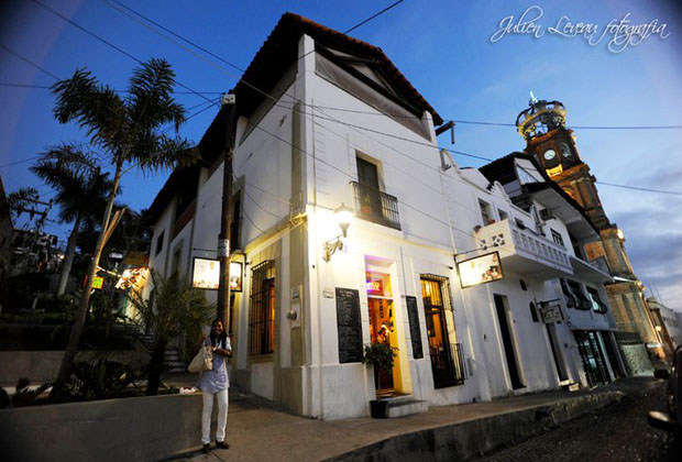 La-Cigale-Bistro-Puerto-Vallarta-Church-of-Guadalupe