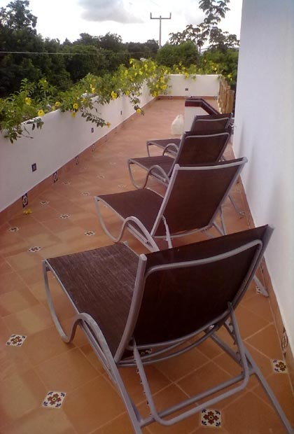 Posada Yum Kin Hotel - Tulum, México Lounge Chairs by Pool