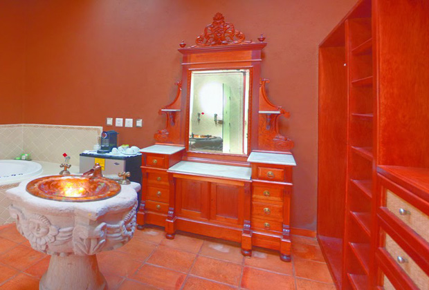 Hotel  Boutique Hacienda Ucazanaztacua, Private Washrooms, Michoacan State