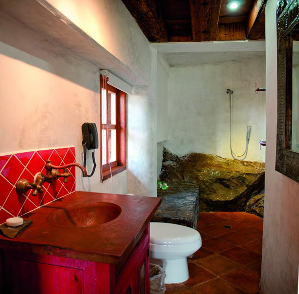 Hotel  Boutique Hacienda Ucazanaztacua, State-of-the-Art Plumbing