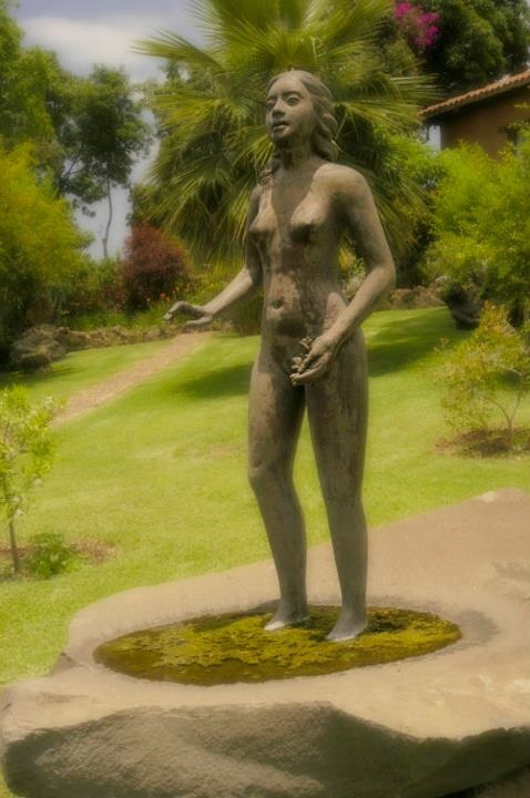 Maestro Juan Torres Calderon, Beautiful Nude Woman Sculpture, Sequeiros, Mexico