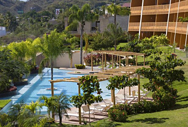 La Joya Huanacaxtle Condos Pool - Puerto Vallarta area