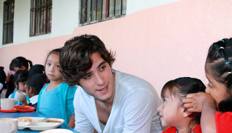 Diego Boneta Supports Feed the Hungry, San Miguel de Allende
