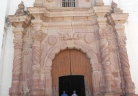 mascota church entrance