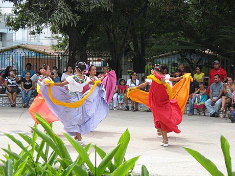 PV dancers